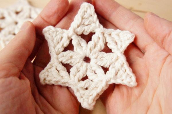 One-round Crochet Snowflake, Free Crochet Pattern by JaKiGu