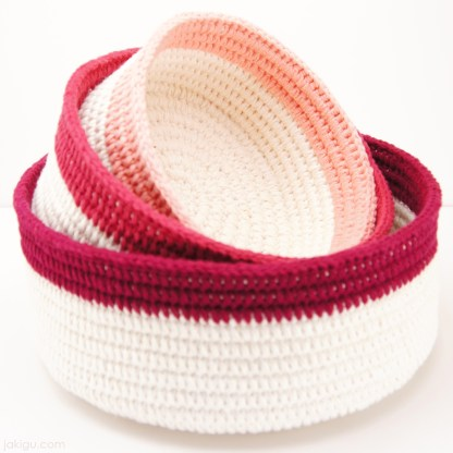 Coiled Crochet Stacking Baskets by jakigu.com
