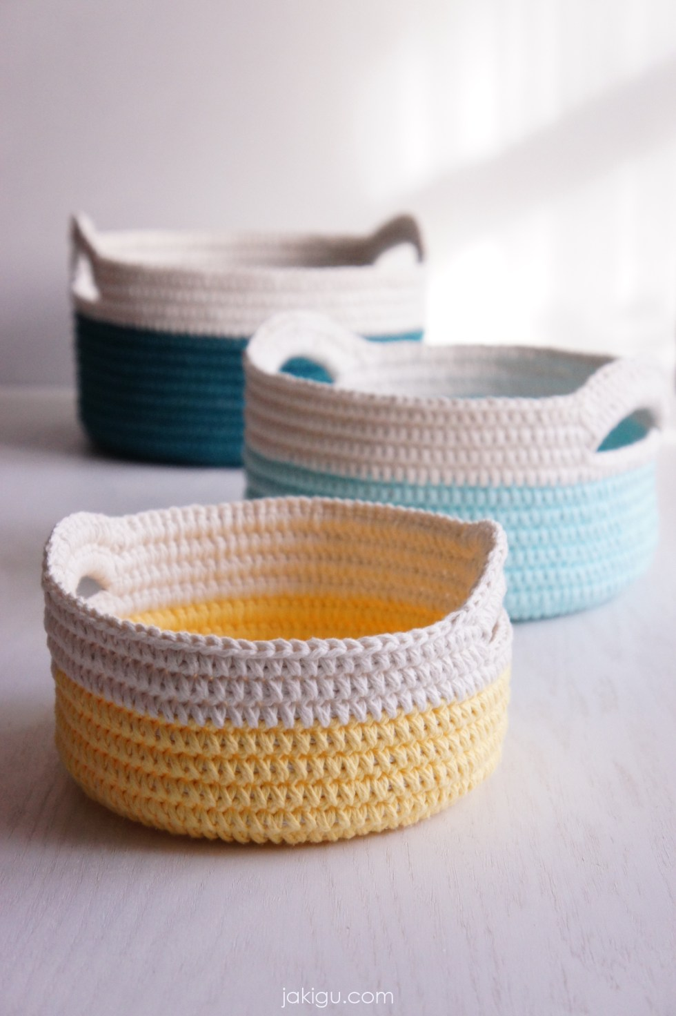 Sturdy crochet baskets with handles - a nesting set