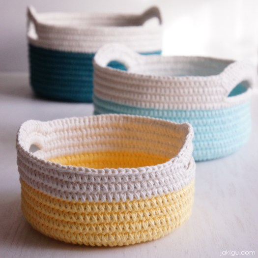 Sturdy Crochet Baskets with Handles | jakigu.com crochet pattern