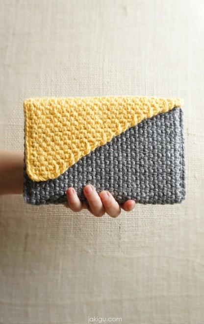 Crochet handbag pattern - Flap-over Handbag Crochet Pattern by jakigu.com