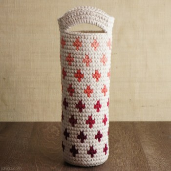 Wine Bottle Gift, crochet pattern by jakigu.com