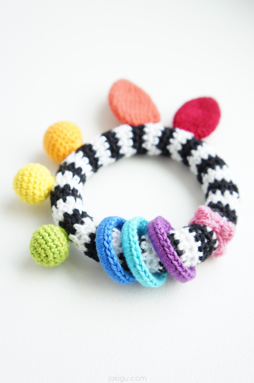High Contrast Baby Toy | jakigu.com crochet pattern