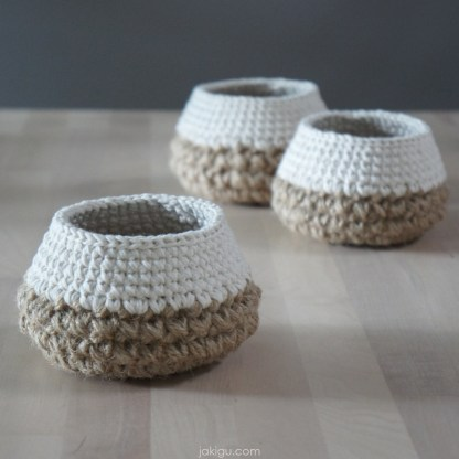 jakigu.com | Tiny Crochet Basket | crochet pattern