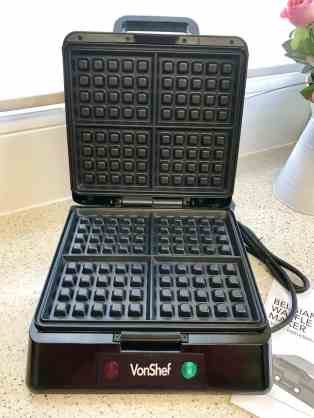 Classic Waffles With The Vonshef Belgian Waffle Maker