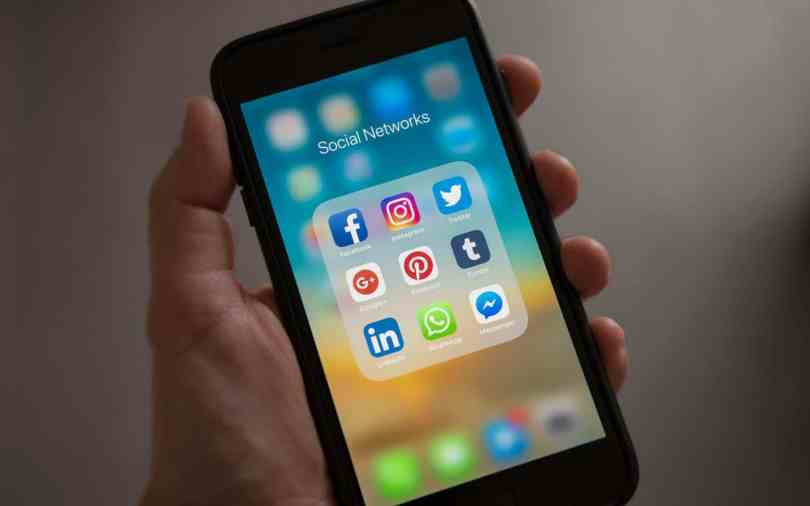 How to Use AI in Social Media Screening