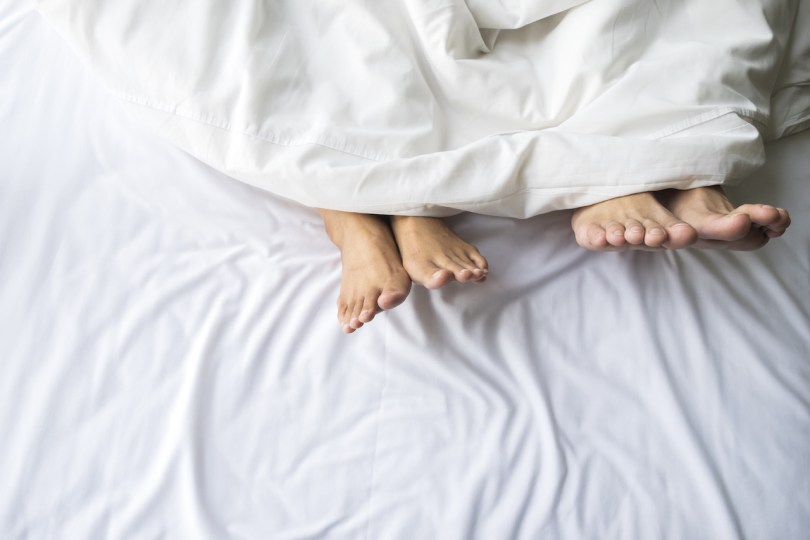 4 Tips for Better Sleep While Sharing the Bed