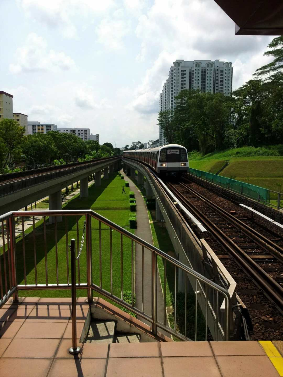 excellent singapore transport systems  image