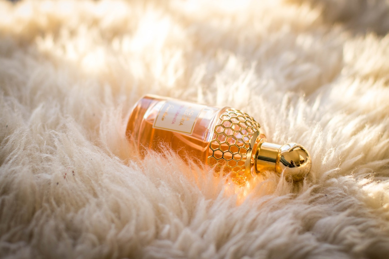 How Do You Know Whether a Perfume Really Suits You?