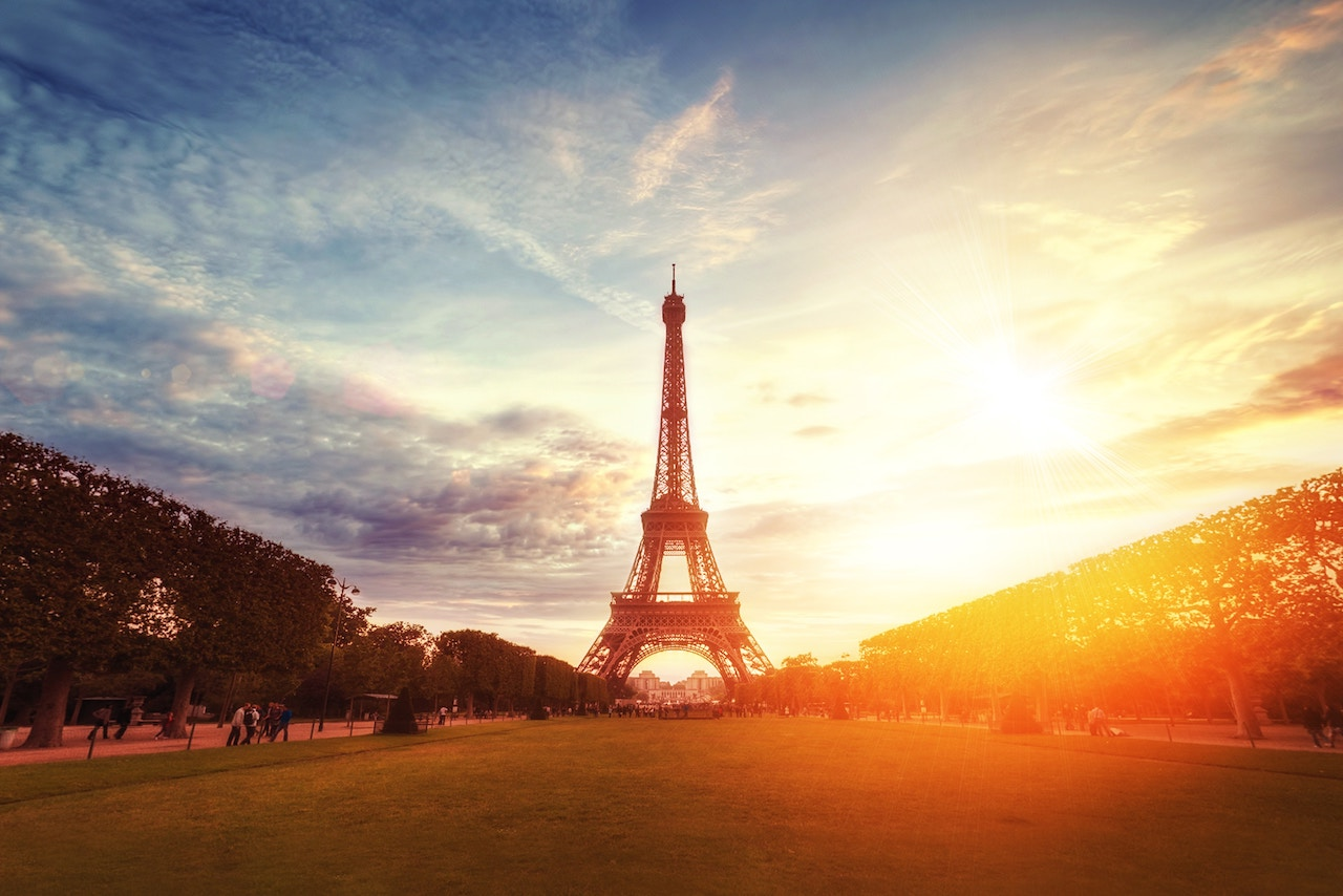 5 of the most romantic things you can do in Paris