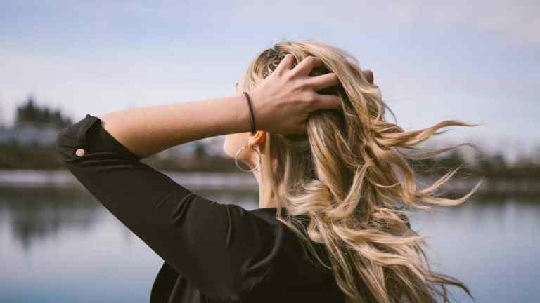 Jak szybko wysuszyć włosy?