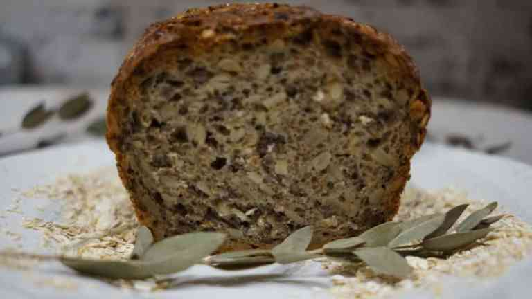 Chleb z ziarnami   łatwy i szybki przepis