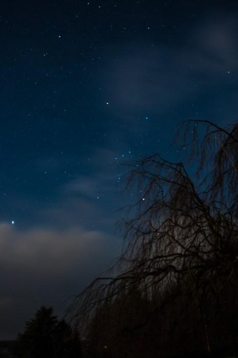 Langsam bedeckt sich der Sternenhimmel.