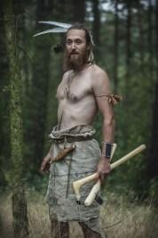 dřevorubec z doby kamenné