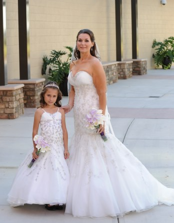 mother daughter matching wedding dresses