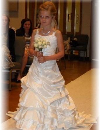 Match my mori lee 3098 pick up wedding dress