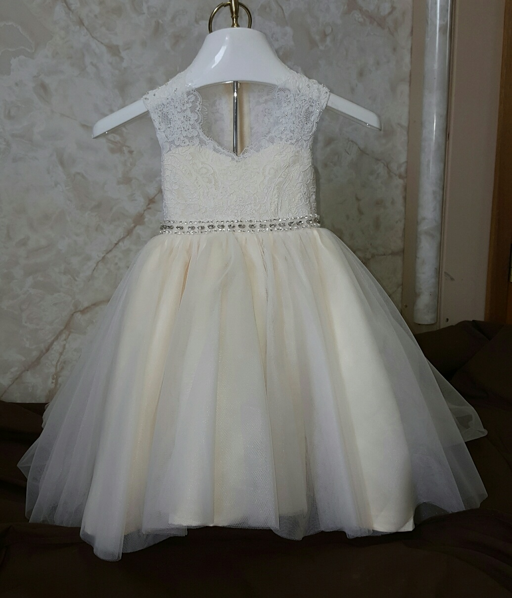 Baby girls wedding dress. Size 12 month baby wedding dress.
