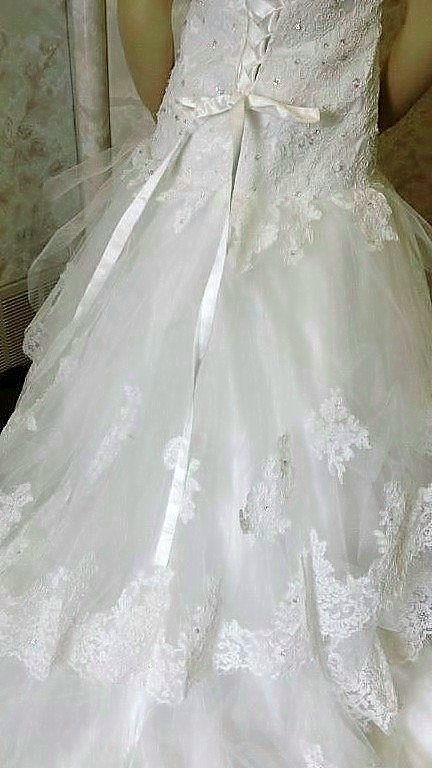 Mermaid style flower girl dresses with lace layered train.
