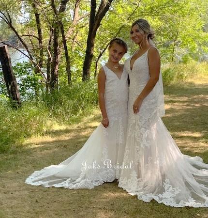 matching flower girl and wedding dress