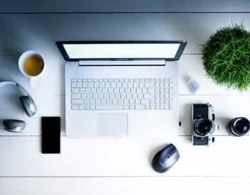 Organizacja miejsca pracy zdalnej biurowej - poradnik pracownika