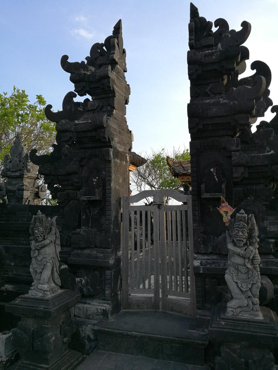 タマンアユン寺院&タナロット寺院夕食付きサンセットツアーに参加