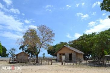 Rumah nelayan di Katundu