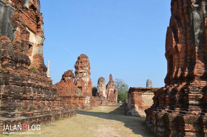 Reruntuhan Wat Mahatat