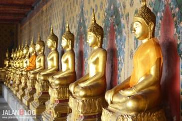 Patung Emas di kuil sebelah Wat Arun