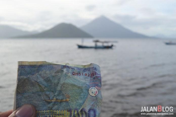 Uang seribunya kusut... :(