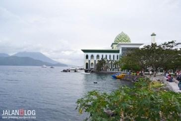 Masjid terapungnya ternate