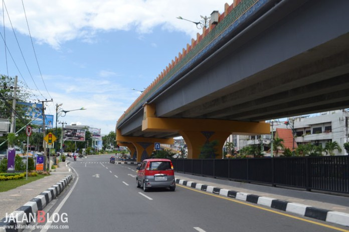 Persimpangan Menuju Harapan Raya