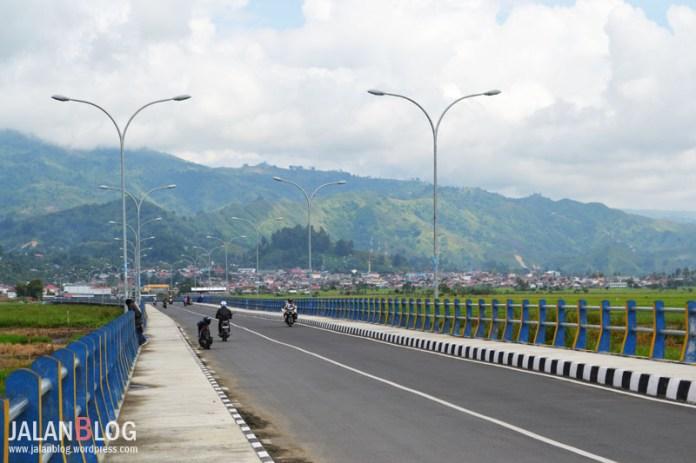 Salah satu jembatan di Sungai Penuh