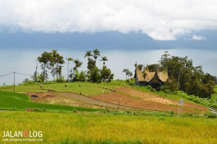 View Andalan Danau Maninjau