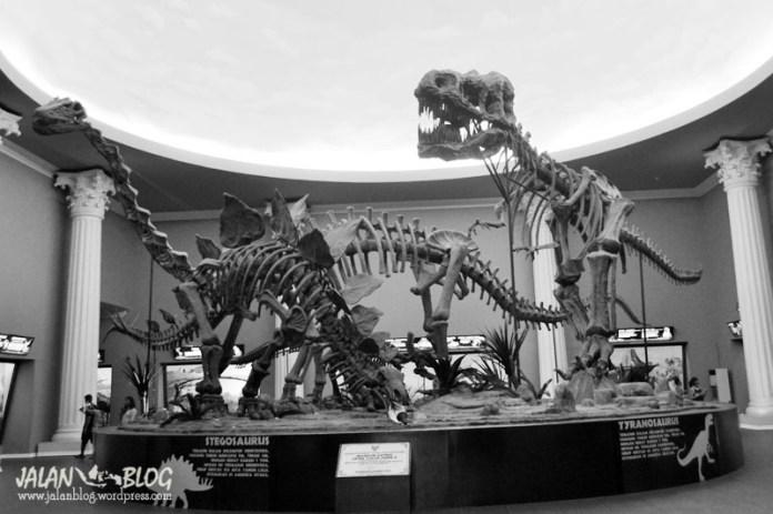 Selamat datang di Museum Satwa... GRROOAARRRGH!