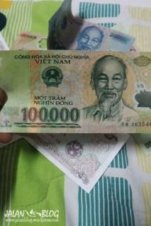 Hore banyak duit...