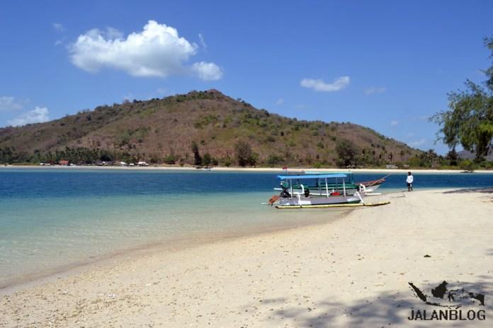 Pantai khas Nusa Tenggara