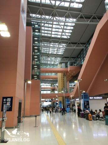 Bandara KIX area kedatangan