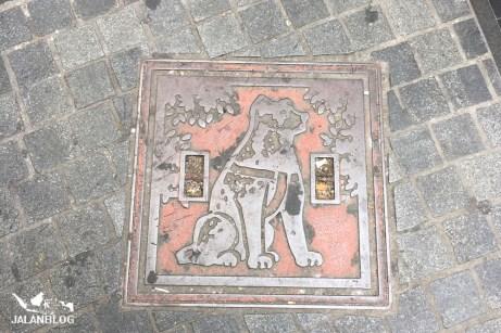 hachiko Manhole