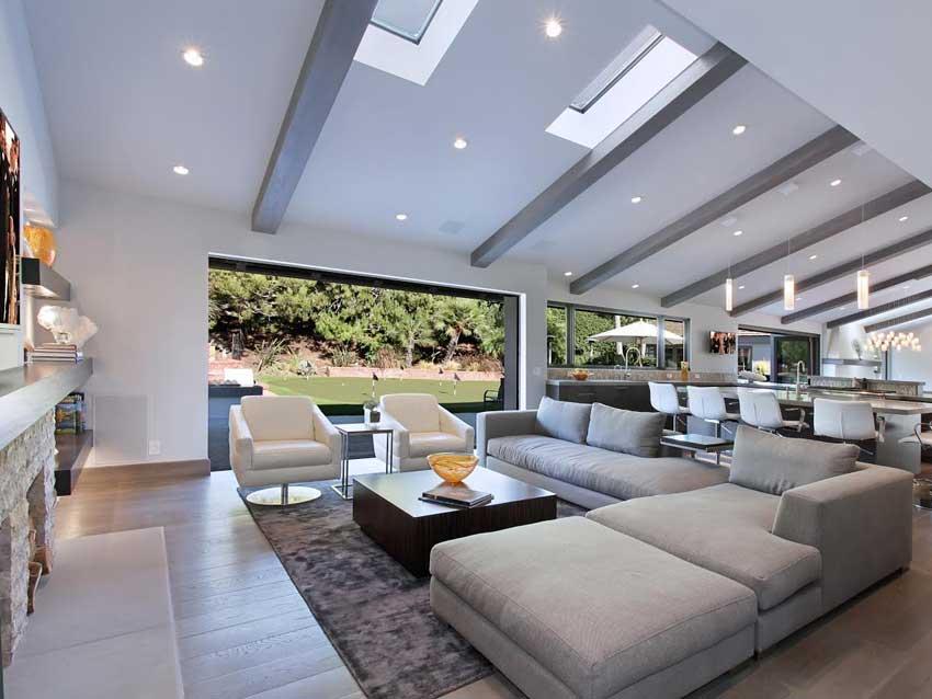 Orange County Realtor Jaleesa Peluso Modern Studio