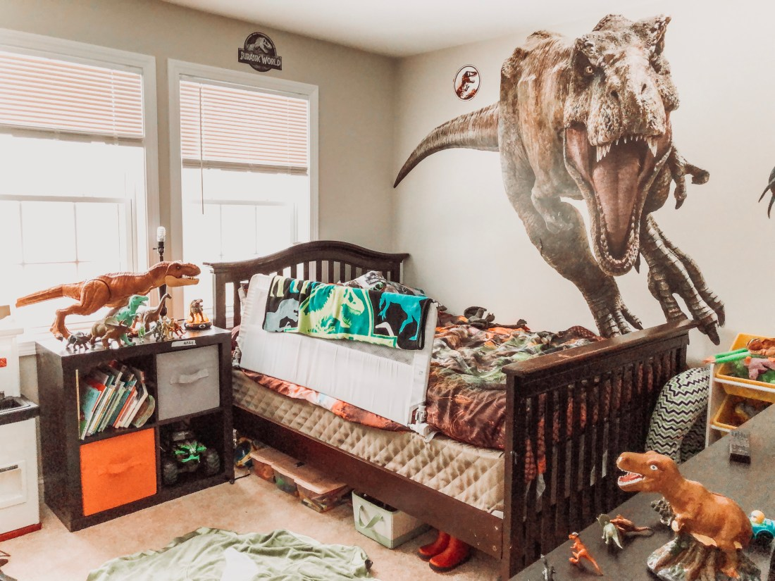 jurrassic world bedroom theme