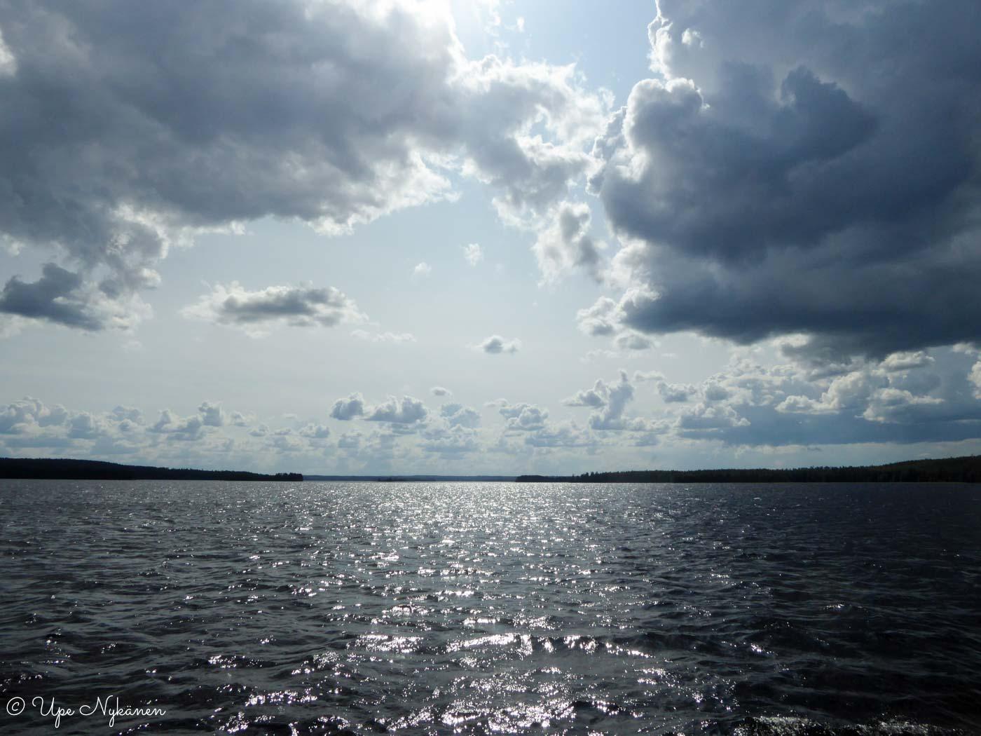 Pilvet Päijänteen yllä sateen jälkeen