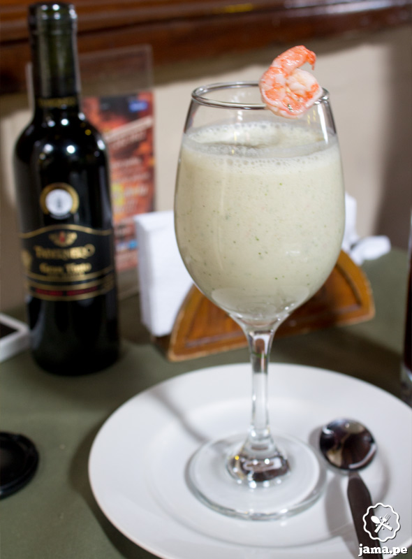 """Restaurante """"El Embrujo"""" a comer Jalea mixta, Tiradito y Leche de Tigre"""