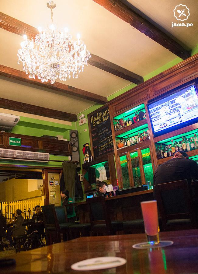 houlihans-miraflores-bar-restaurante-5