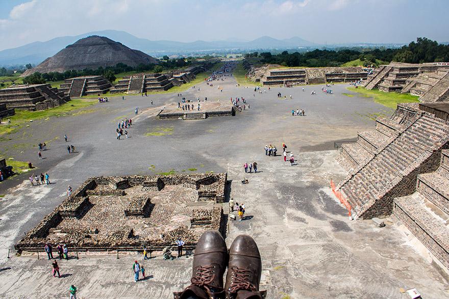 globo en teotihuacan mexico