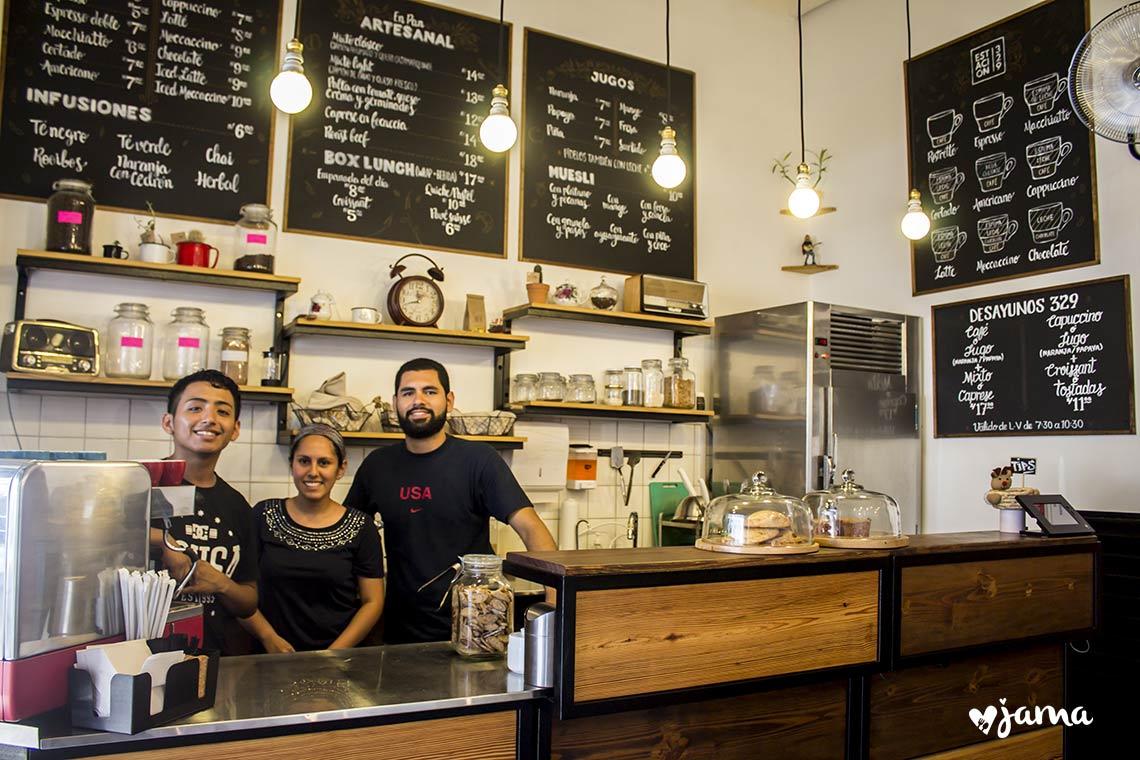 Miraflores:  Probando el famoso café latte de Estación 329