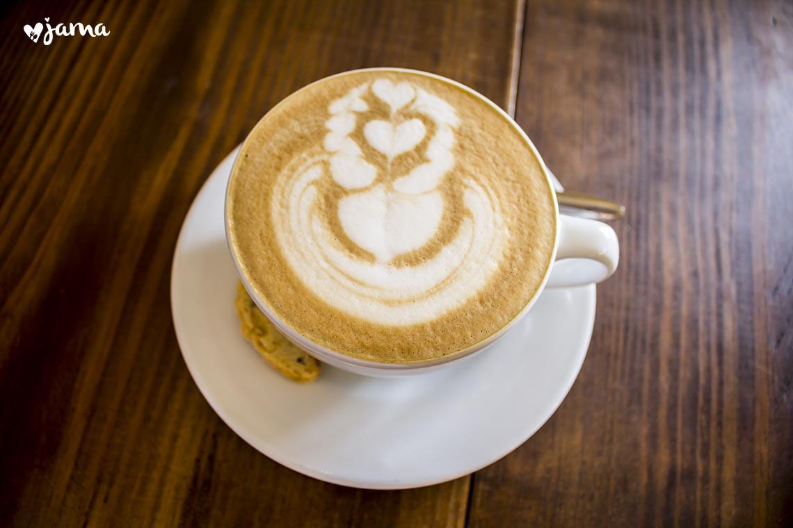 miraflores: probando el mejor cafe latte