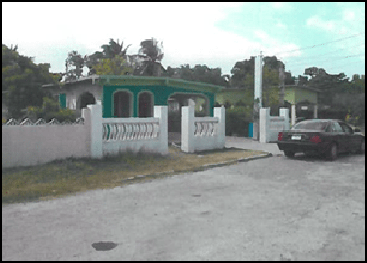 Settling on the perfect price for a house can be tough. Fairview 3 Bedrooms 1 Bathroom House For Sale In Fairview Spanish Town St Catherine Houses