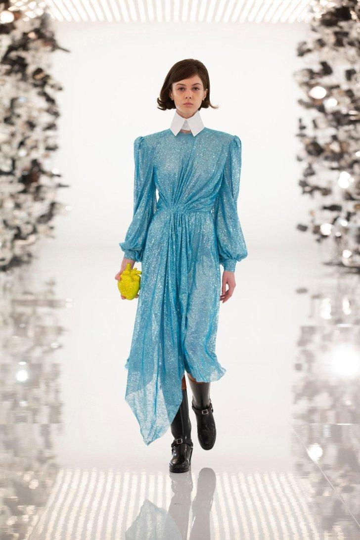 أزياء غوتشي 2021 2022 بيوت أزياء الخريف ملابس لامعة ولامعة س