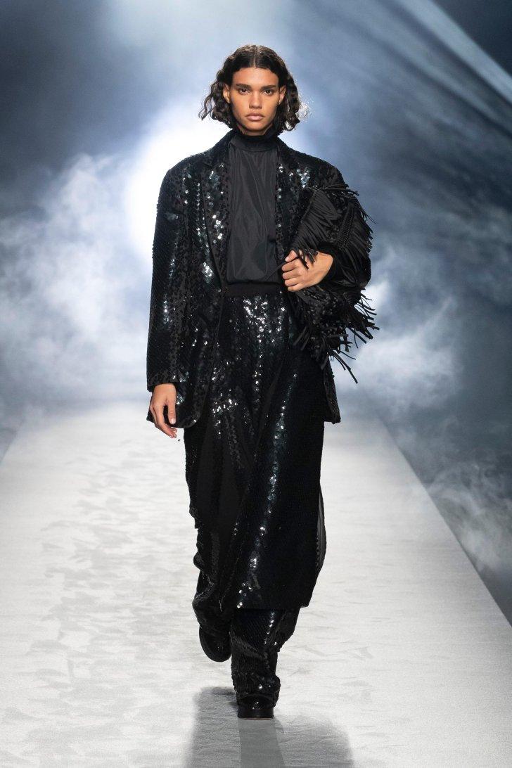 ألبيرتا فيريتي Fashion Trend 2021 2022 Fall Couture Shiny Glitter S.
