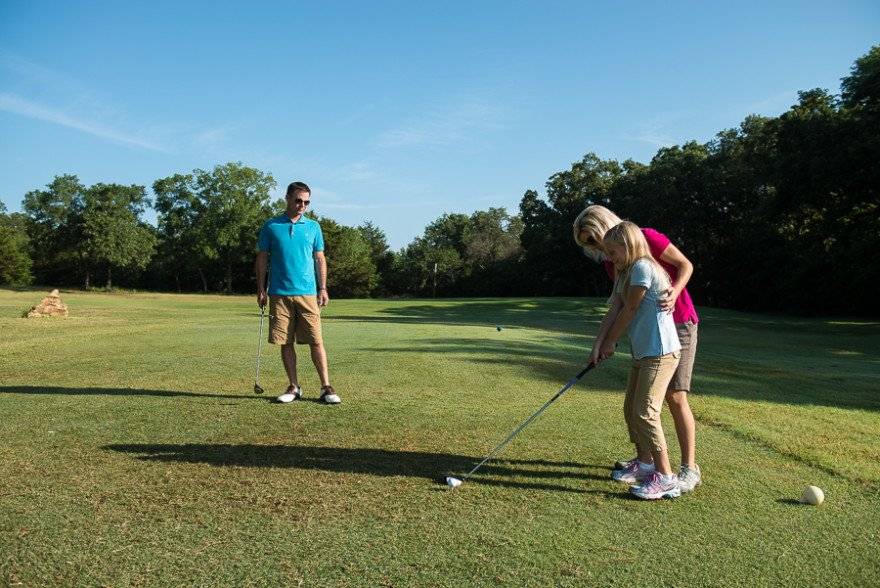 Entire families can play golf at Lake Murray State Park golf course in Oklahoma.